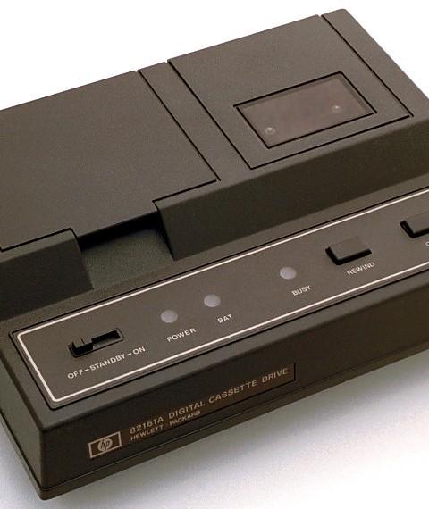 Cassette reader